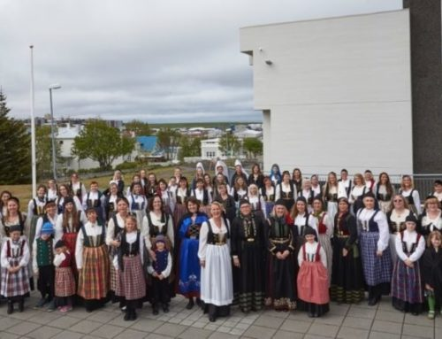 100 fjallkonur í Hafnarfirði