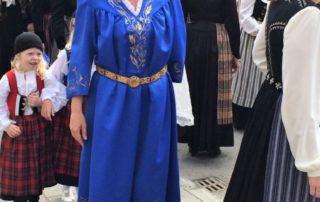 Annríki - Þjóðbúningar og skart. Ámálaður kyrtill