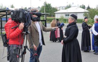 Annríki - Þjóðbúningar og skart. Faldbúningur yngri. Hildur í viðtali.