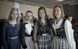 Annríki - Þjóðbúningar og skart. 19. og 20. aldar upphlutir.